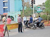 तपती धूप में ड्यूटी कर रहे पुलिसकर्मी, इस बार टेंट लगाया न पीने का पानी|उज्जैन,Ujjain - Dainik Bhaskar