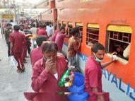 मजदूर की मजबूरी, महाराष्ट्र में हालात बेकाबू हैं... मजदूरों की घर वापसी शुरू, बीना में खचाखच भरी ट्रेनें आ रहीं|सागर,Sagar - Dainik Bhaskar