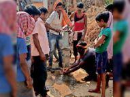 करहरिया पंचायत के वार्ड दो में एक साल बाद भी नहीं बनी नल-जल योजना की जलमीनार जलस्तर गिरने से अधिकतर चापाकल भी सूख गए भागलपुर,Bhagalpur - Dainik Bhaskar
