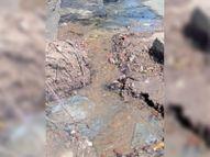 अब तक नहीं सुधरी फूटी नर्मदा राॅ-वाटर पाइपलाइन होशंगाबाद,Hoshangabad - Dainik Bhaskar