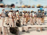 पुलिस सुरक्षा में केएमपी पर वाहनों से टोल टैक्स वसूली, 25 दिसंबर 2020 को बंद हुआ था केएमपी गोहाना,Gohana - Dainik Bhaskar