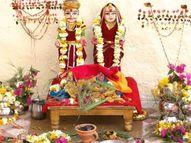 मिट्टी से बनाते हैं भगवान शिव-पार्वती की मूर्ति पति की लंबी उम्र के लिए होता है ये व्रत|धर्म,Dharm - Dainik Bhaskar