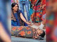 लड़की की शादी तोड़वाने के शक में गांव के युवक की चाकू से गोदकर हत्या, पेट फट गया और आंत बाहर निकल आई|मुजफ्फरपुर,Muzaffarpur - Dainik Bhaskar