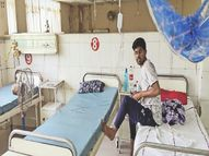 अस्पताल का सेंट्रल एसी पड़ा बंद; वार्डों के पंखे खराब, इलाज कराना है तो घर से पंखा लाना हाेगा|भिवाड़ी,Bhiwadi - Dainik Bhaskar