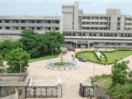 अस्पताल से दो भाइयों को भगाया, कलेक्टर, प्रभारी मंत्री की दखलंदाजी के बाद दोबारा किया रेफर, फिर भी शुरू नहीं किया इलाज|रीवा,Rewa - Dainik Bhaskar