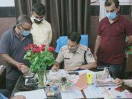 मुंबई से आए व्यापारी के बैग से मिला 55 लाख का सोना, 5.32 लाख नकद व चांदी के गुलदस्ते|रीवा,Rewa - Dainik Bhaskar