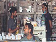 ग्राहक मास्क लगाकर आ रहे लेकिन दुकानदार पूरी तरह लापरवाह|अलवर,Alwar - Dainik Bhaskar