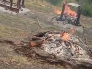 10 शवयात्राएं आईं, खुले मैदान में करने पड़े अंतिम संस्कार इटारसी,Itarsi - Dainik Bhaskar