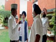 सुखबीर से मिले मुस्लिम नेताओं ने कहा- फोकस केवल मालेरकोटला सीट पर क्यों|जालंधर,Jalandhar - Dainik Bhaskar