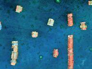 चीन ने विवादित इलाके में सैकड़ों छोटी नावें तैनात कीं, इन पर पीएलए के सैनिक मौजूद होने का शक|विदेश,International - Dainik Bhaskar