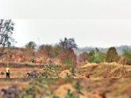 पूर्व पंडरिया वन परिक्षेत्र में हो रहा अवैध मुरुम खनन|कवर्धा,Kawardha - Dainik Bhaskar