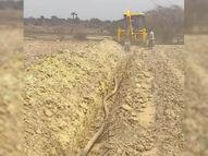35.06 लाख की पेयजल योजना का काम शुरू, टंकी तक डाली पाइप लाइन धार,Dhar - Dainik Bhaskar