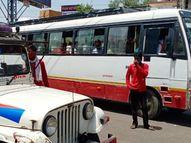 सख्ती के बाद भी नहीं मान रहे लोग, छुट्टी के दिन भी सड़क पर आवाजाही, बेवजह घूमने वालों के चालान काटे, वाहन भी किए जब्त|कोटा,Kota - Dainik Bhaskar