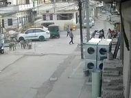 पुश्तैनी मकान विवाद में चाचा ने भतीजे पर चाकू से किया हमला, CCTV में कैद हुई वारदात|कोटा,Kota - Dainik Bhaskar