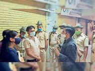जन अनुशासन पखवाड़े के पहले दिन प्रशासन ने काटे चालान, दुकानदार व आमजन लापरवाह, समझाइश की|बाड़मेर,Barmer - Dainik Bhaskar