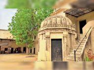 दूसरे राजाओं से आधा किमी दूर पहले राजा दौलतसिंह की छतरी सीकर,Sikar - Dainik Bhaskar