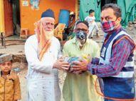 आधी रात एक बुजुर्ग को ऑक्सीजन की जरूरत पड़ी तो दो सिलेंडर लेकर पहुंचे, दूसरे को इंदौर में बेड नहीं मिला तो धार में भर्ती कराया इंदौर,Indore - Dainik Bhaskar