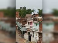 पंचायत चुनाव के बाद हिंसा: बाराबंकी में घरों पर फेंके हथगोले, मुजफ्फरनगर में पुलिसकर्मी को दौड़ाकर पीटा|यूपी पंचायत चुनाव,UP Panchayat Election - Dainik Bhaskar