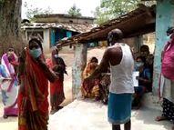 बिलासपुर में वैक्सीनेशन टीम को गालियां देकर भगाया; कहा- टीका नहीं लगवाएंगे, मर जाएंगे तो क्या सरकार जिम्मेदारी लेगी|बिलासपुर,Bilaspur - Dainik Bhaskar