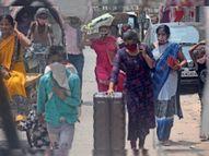 परदेस से लाैटे अपने शहर में फंसे कंधे पर सामान लेकर भटकते रहे, नहीं मिल रहीं गाड़ियां मुजफ्फरपुर,Muzaffarpur - Dainik Bhaskar