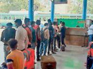 3 दिन में राेडवेज बसों से 900 से ज्यादा प्रवासी श्रमिक कर चुके हैं पलायन|पानीपत,Panipat - Dainik Bhaskar