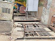 स्टेशन रोड पर बारिश में इस साल भी भरेगा पानी, पार्वती बाई धर्मशाला के सामने वाले हिस्से में चोक रहता है नाला|खंडवा,Khandwa - Dainik Bhaskar