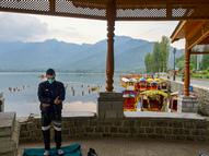 विदेश में रह रहे 300 कश्मीरी डॉक्टर 24 घंटे देश के मरीजों का मुफ्त इलाज कर रहे, 20 हजार लोग उठा चुके हैं फायदा|देश,National - Dainik Bhaskar