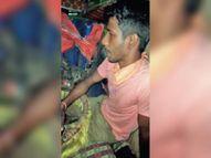 ओवरटेक करते टक्कर, स्टेयरिंग में ही एक घंटे तक फंसा रहा ट्रक ड्राइवर|महासमुंद,Mahasamund - Money Bhaskar