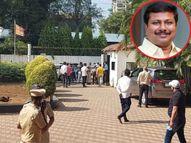 पिंपरी के MLA अन्ना बनसोडे पर एक शख्स ने चलाई गोली, बाल-बाल बची जान; समर्थकों ने आरोपी को पकड़कर पीटा|महाराष्ट्र,Maharashtra - Money Bhaskar