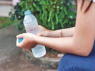 गर्मियों में पानी पीना अक्सर भूल जाते हैं, तो इन तरकीबों से याद रखें वीमेन,Women - Dainik Bhaskar