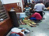 अस्पतालों में इलाज के लिए नहीं मिल रही जगह, गैलरी में जमीन पर बैठकर ही इलाज कराने को मजबूर|उदयपुर,Udaipur - Dainik Bhaskar