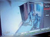 हयातनगर ऊपर बस्ती में बदमाशों ने मचाया उत्पात; दो घरों में पथराव-तोड़फोड़, दादा-पोते को मार किया घायल|जमशेदपुर,Jamshedpur - Dainik Bhaskar