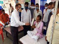 ऑक्सीजन आपूर्ति सुचारू व वेंटिलेटर शुरू करने पर माने; कोविड प्रभारी ने ब्यावर पहुुंचकर विधायक को दिलाया भरोसा|राजस्थान,Rajasthan - Dainik Bhaskar