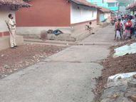 घर के बाहर चबूतरा पर सोए युवक की पत्थर से कुचल कर हत्या, रात दो बजे भाई से फोन पर हुई थी बात|जमशेदपुर,Jamshedpur - Dainik Bhaskar