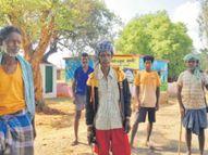 महुआडांड़ के सुग्गी गांव में ग्रामीणाें ने काेराेना टेस्ट करने आई टीम को भगाया, कोई गांव में आ न सके, इसलिए कर रहे पहरेदारी|रांची,Ranchi - Dainik Bhaskar