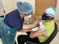अमिताभ बच्चन ने लगवाई कोरोना वैक्सीन की दूसरी डोज, फोटो शेयर कर लिखा- दूसरा भी हो गया...कोविड वाला, क्रिकेट वाला नहीं|बॉलीवुड,Bollywood - Dainik Bhaskar