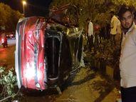 चार पलटी खाते हुए सामने की साइड में घुसी कार, सवार 2 युवक और 2 युवती घायल; एयर बैग ने बची जान|इंदौर,Indore - Money Bhaskar