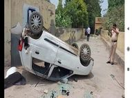 दो माह से वेतन नहीं मिलने से नाराज कंपनी प्रबंधन व श्रमिकों में विवाद, गाड़ियों में तोड़फोड़|फरीदाबाद,Faridabad - Money Bhaskar