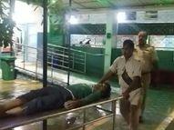 बेगूसराय में NH-31 पर बाइक ने युवक को रौंदा, मौत; मोबाइल से होगी युवक की पहचान|बिहार,Bihar - Money Bhaskar