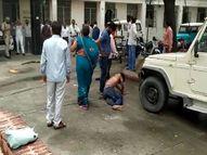 बदायूं में निलंबित सचिव के बेटे ने अधिकारियों पर आरोप लगाकर किया आत्महत्या का प्रयास , कहा- पैसे खुद निकाले और केस मुझ पर कर दिया|बरेली,Bareilly - Money Bhaskar