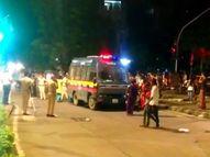 नाराज ट्रांसजेंडरों ने सड़क पर उतर और कपड़े उतार किया प्रोटेस्ट, अब तक दो लोग हुए अरेस्ट; पैसे को लेकर हुआ था विवाद|मुंबई,Mumbai - Money Bhaskar