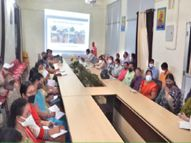 पालक पूछ रहे- किस आधार पर तय किया कि पहली से पांचवीं के स्कूल खुलें और कक्षा 6, 7, 9 और 11वीं बंद रहें, क्या छोटे बच्चों को खतरा नहीं? बिलासपुर,Bilaspur - Money Bhaskar