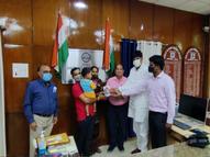 भिंड जिले में कोविड वैक्सीन के लगे 17 हजार डोज; 14 लोगों कोगिफ्ट में दिए गए मोबाइल|भिंड,Bhind - Money Bhaskar