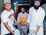 3 महीने मजदूरी करवाई, पैसे मांगने पर पहले डंडों से पीटा, फिर पैर में घुसाई नुकीली चीज|पंजाब,Punjab - Money Bhaskar