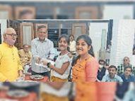 फेंसी ड्रेस, दीप सजाओ व तंबोला स्पर्धा जीती, मिले पुरस्कार|खंडवा,Khandwa - Money Bhaskar