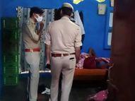 बुधवार की शाम दुकान से घर न आने पर परिजन हुए चिंतित, खोजबीन में पेड़ पर लटकी मिली लाश|झांसी,Jhansi - Money Bhaskar