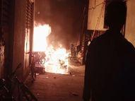 एक रिहायशी सोसाइटी की पार्किंग में खड़ी 20 बाइक्स एक साथ जलकर हुई खाक, साजिश या दुर्घटना की हो रही जांच महाराष्ट्र,Maharashtra - Money Bhaskar
