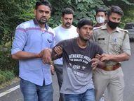 चेकिंग के दौरान रोकने पर बदमाशों ने पुलिस पर फायरिंग की, जवाबी फायरिंग में 2 के पैर में लगी गोली, तमंचा-कारतूस बरामद|गौतम बुद्ध नगर,Gautambudh Nagar - Money Bhaskar