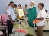 बलरामपुर में डीएम श्रुति ने फरियादियों की सुनी शिकायतें, समाधान के दिए निर्देश|बलरामपुर,Balrampur - Money Bhaskar