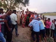 दुर्गा प्रतिमा को तालाब की गहराई में ले जाना चाहता था युवक, कूदते ही तालाब में डूबा, 8 घंटे में गोताखोरों ने खोज निकाला रीवा,Rewa - Money Bhaskar